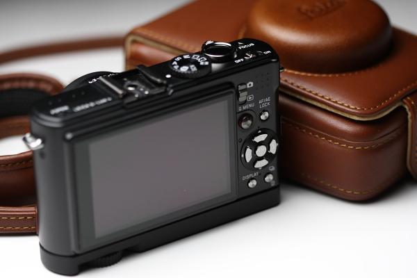 Canon EOS 40D + EF100mm F2.8 MACRO USM ISO500 1/100sec.