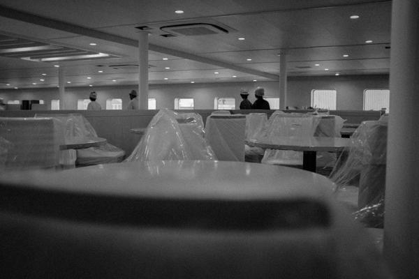 大型フェリーの船内インテリアデザイン