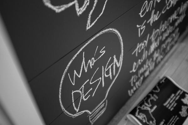 デザインATOZ・hirameki cafe tres・ベンジャミンムーア・黒板