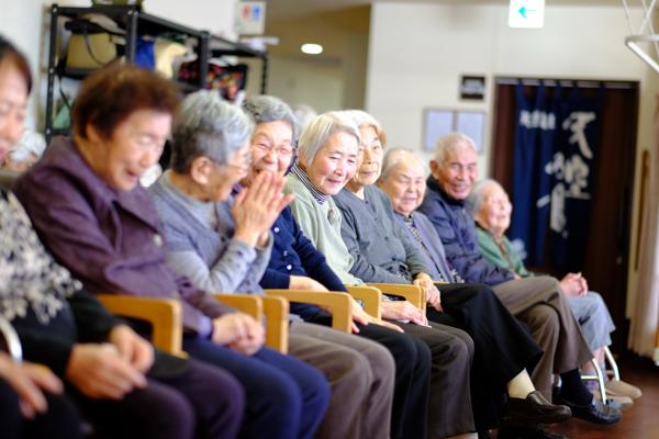 ホームケア彦島・サービス付き高齢者向け住宅&デイサービス 海と空