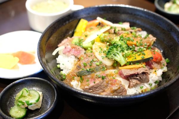 株式会社ふく衛門・肉×2食堂 USAGI・ヴィル・セゾン卯