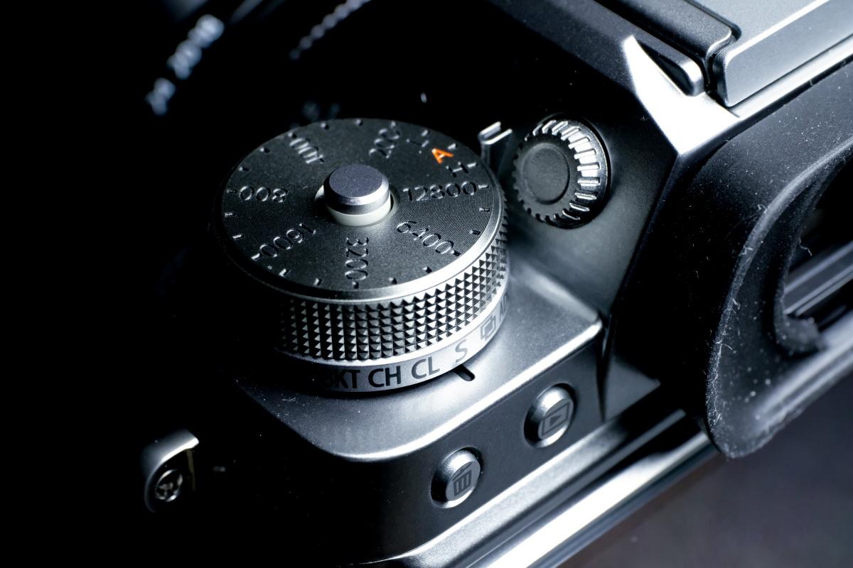 FUJIFILM X-T2 Graphite Silver EditionとXF10-24mmF4 R OIS