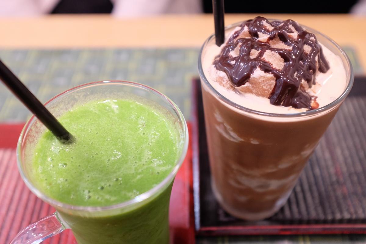 唐戸商店街で打ち合わせ後は、ものばんくのよろずカフェランチ!