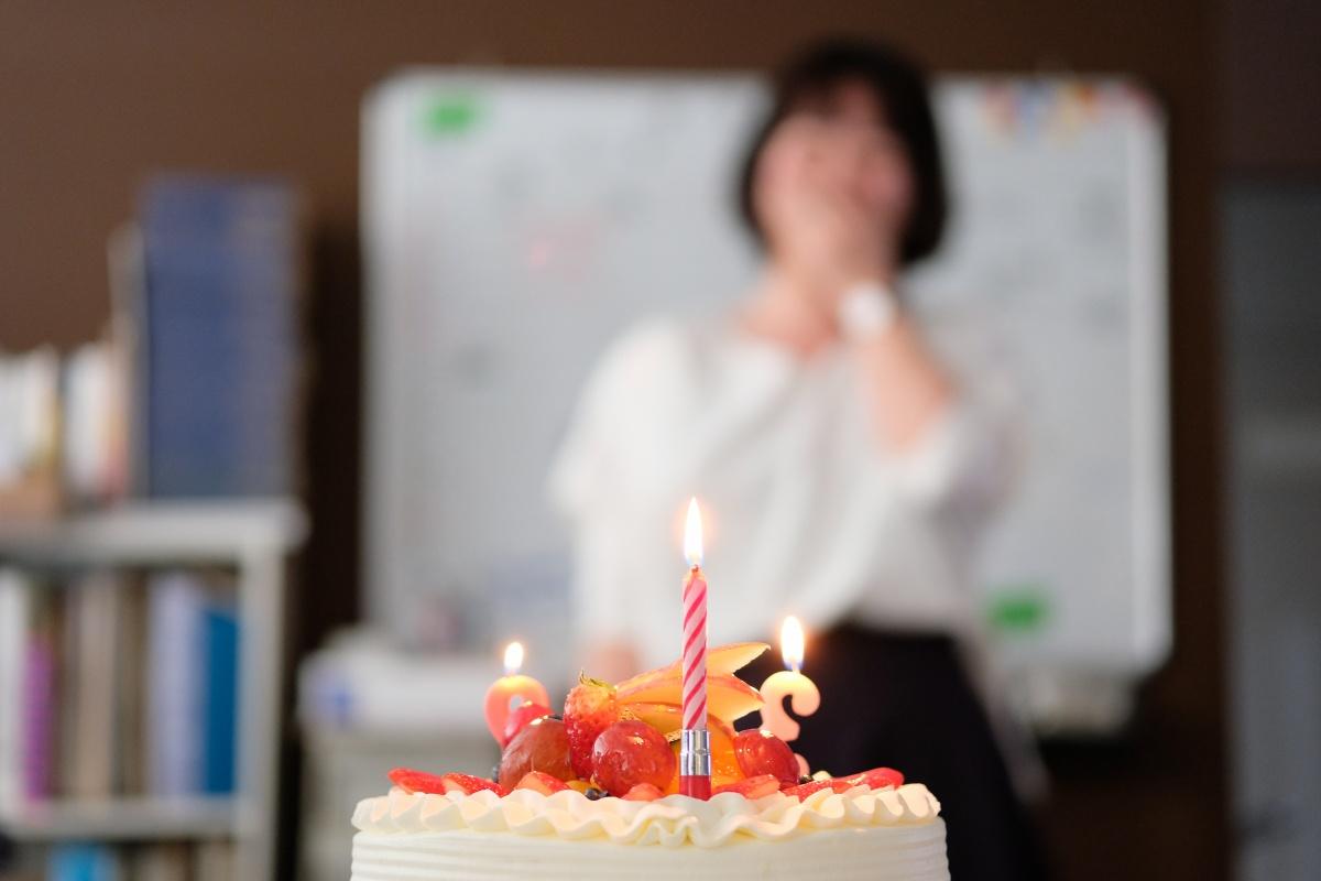 新人建築デザインアシスタント藤井(ま)お誕生日おめでとう!