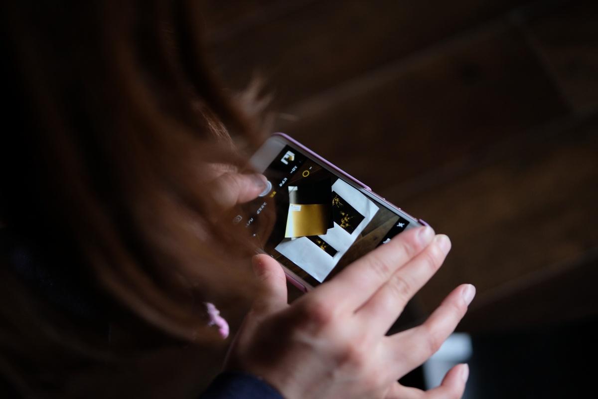 内装が徐々に仕上がる湯田温泉の「Chinese Kitchen 貴」で奥様はブログ用写真を撮る!