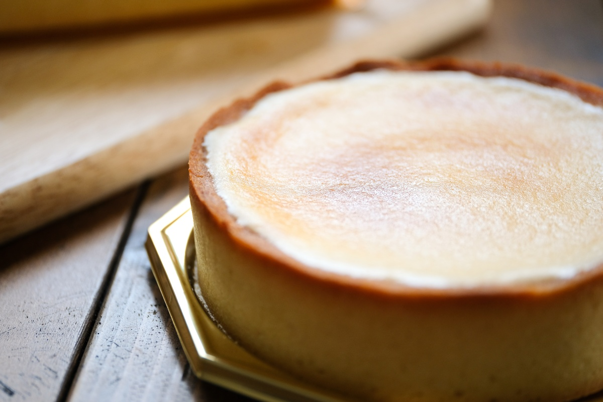 いつもお世話になっている船舶所長からのロールケーキとチーズケーキの差入れ!
