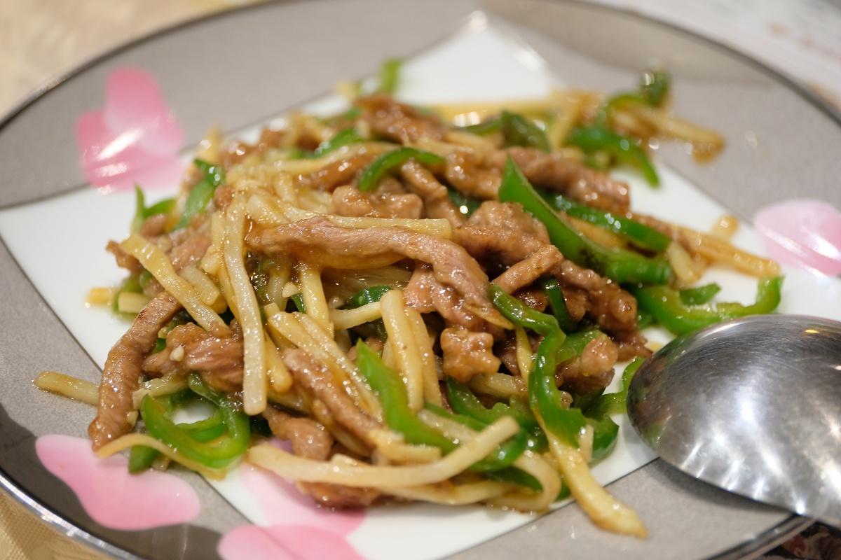 店内から関門海峡の絶景を眺めならがら食べる中華料理のファミリーレストラン!