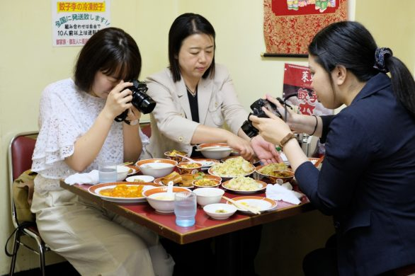 パワー女子三人でも食べきれなかったパワーボリュームの博多餃子の李!