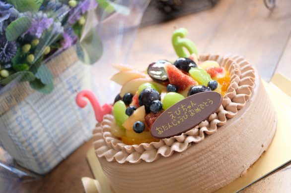 えびちゃん!お誕生日おめでとう!ブルーな紫陽花がとっても似合うね!