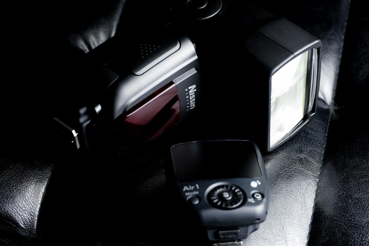 クリップオンストロボをカメラから話して光をつくろう!