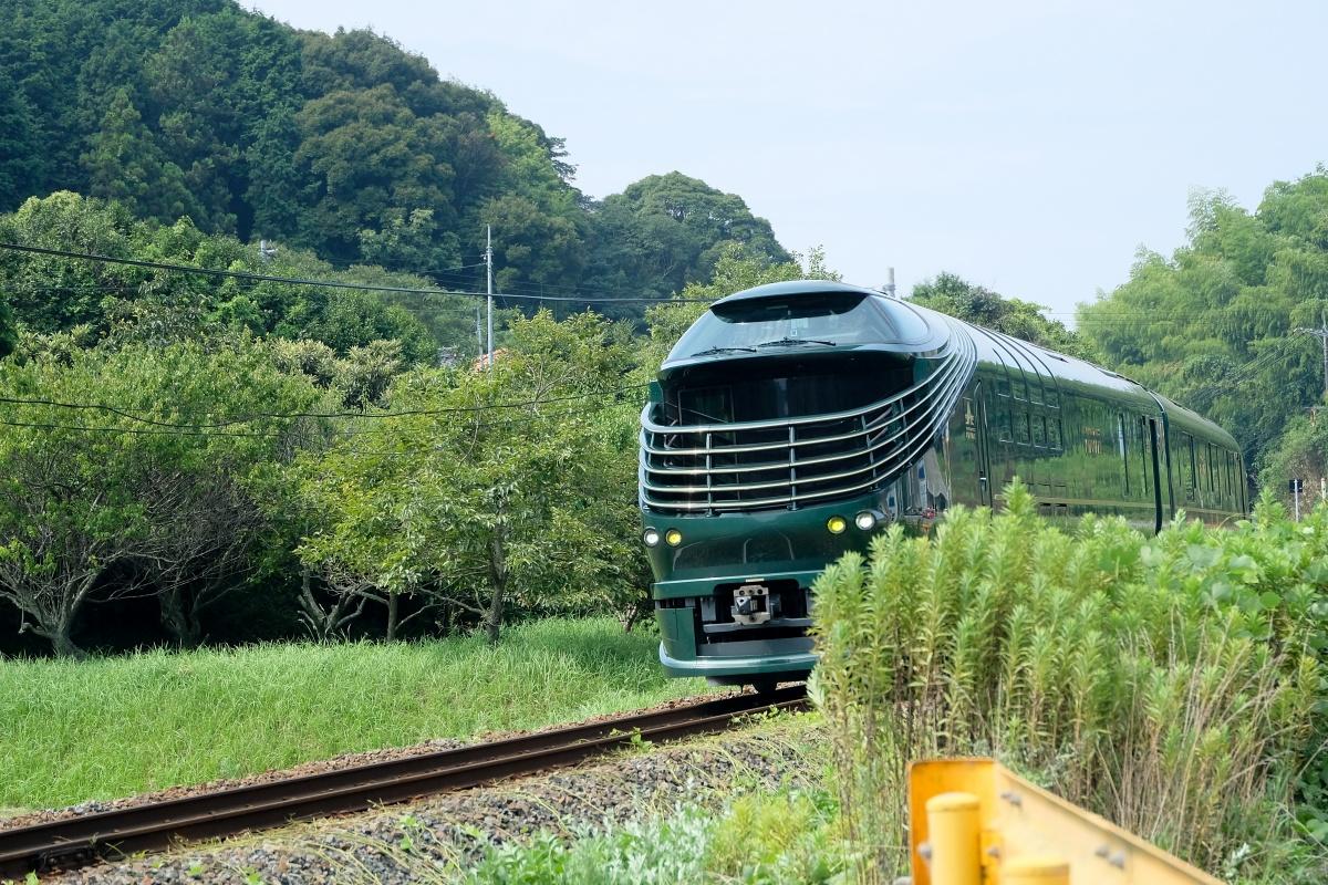 豪華寝台列車トワイライトエクスプレス瑞風を追いかけ!だるま堂からカフェチョコランチへ!