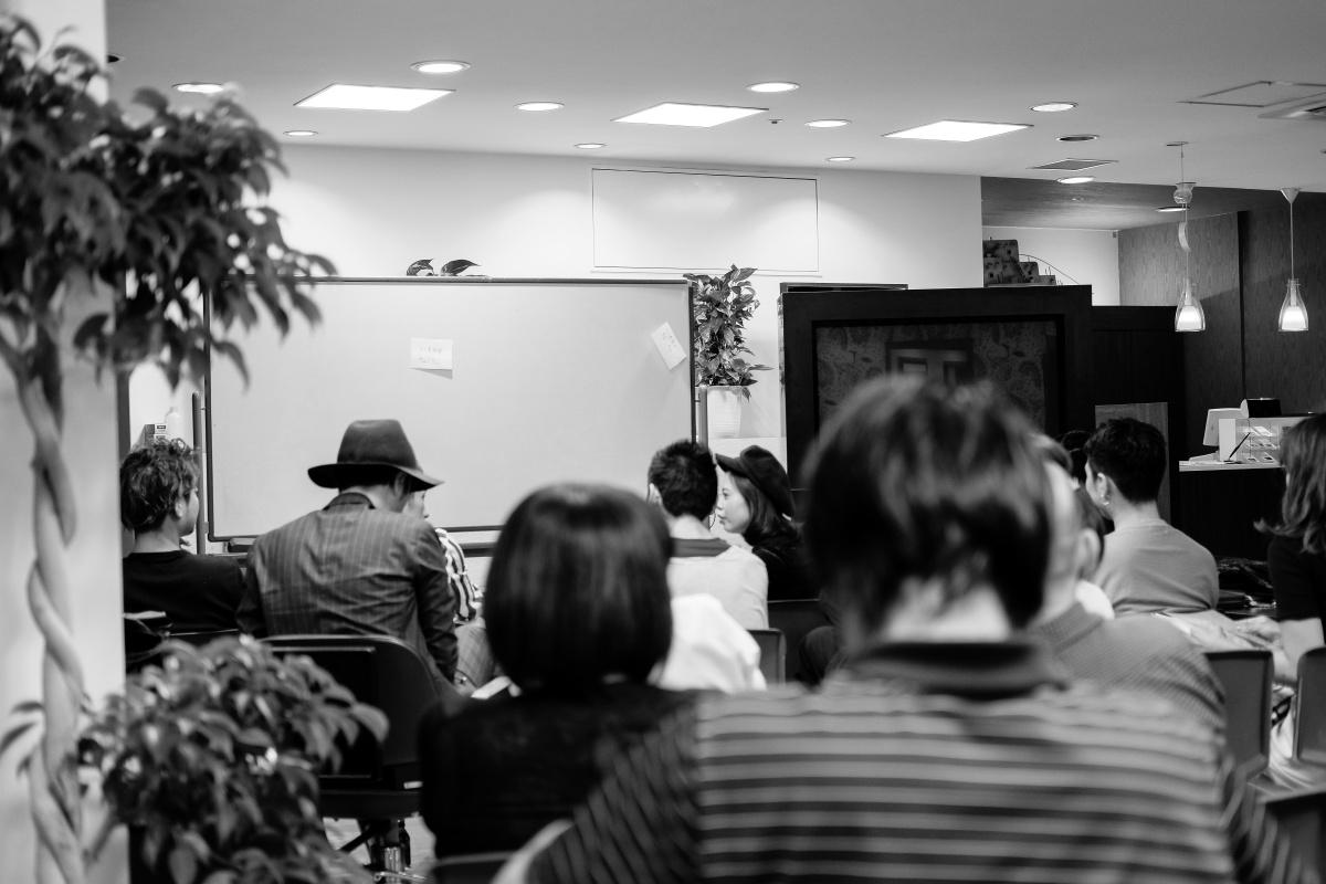 下関の美容室Emi全店の店長会議!夜のシーモールWEB&SNS戦略会議!