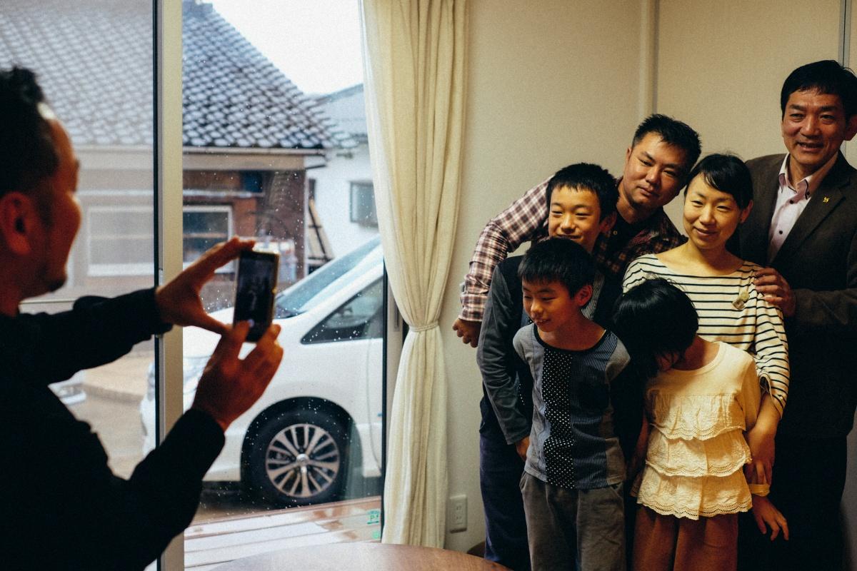台風の影響が心配される中、ステキな家族が選んだオシャレなイタリア車!
