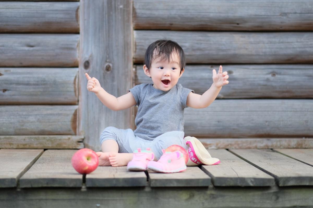 りんご大好きな姫ちゃんが「しもせりんご村」で初めてのりんご狩り