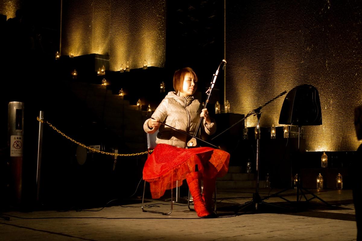 2017年関門海峡キャンドルナイト!海峡ゆめタワーで中国伝統楽器「二胡」が奏でる音色に