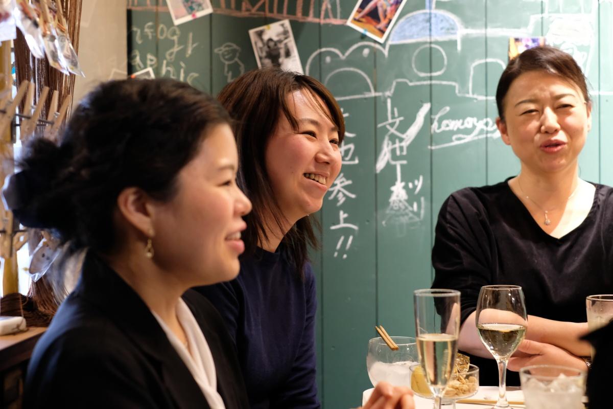 2017年デザインATOZの忘年会は「アシスタント三人娘」が大活躍!
