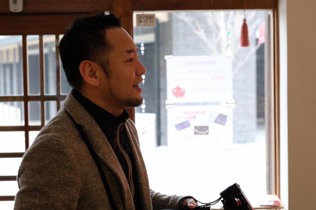 山口県インバウンドサポートプロジェクト「atafuta」山口県の魅力を世界に発信する!韓国編!「縁」のお守りを気に入った来月韓国に帰ってしまうイ・ジンヨンくんにプレゼント!縁に感謝です!