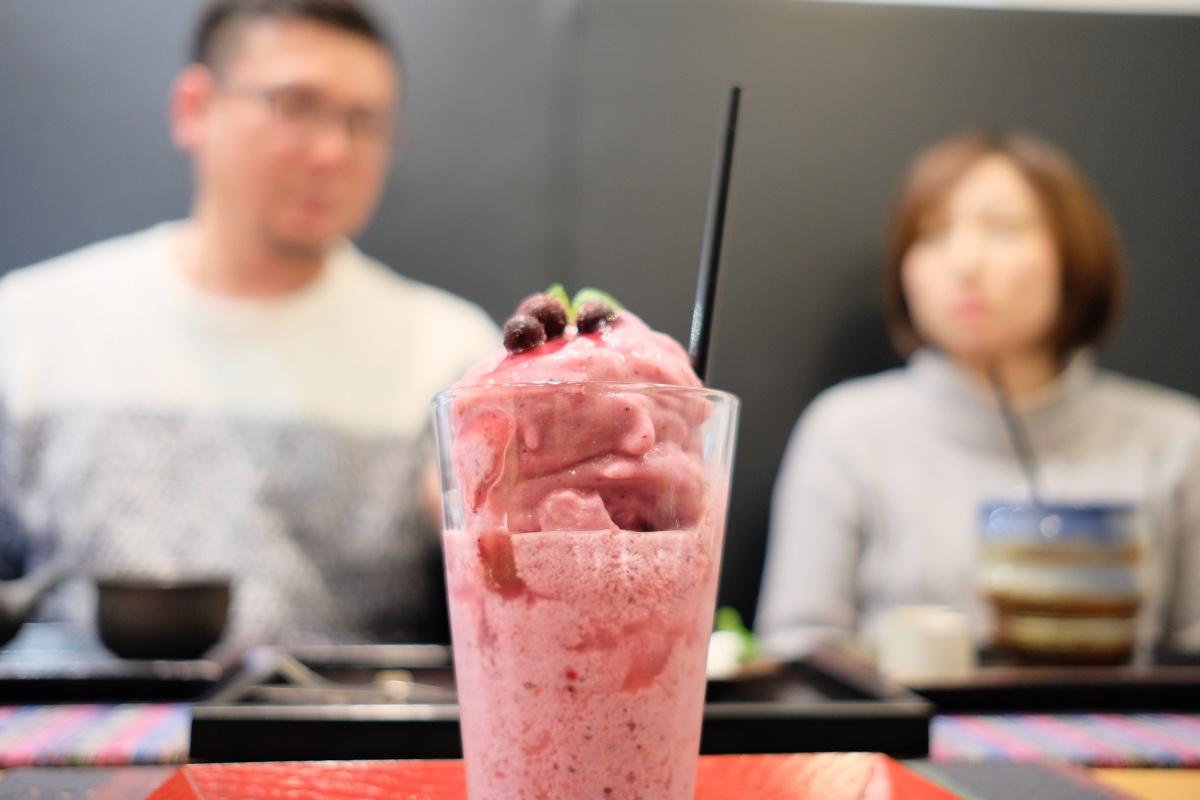 若さが羨ましいグランシャリオの南山オーナー夫妻とよろずカフェで秘密のランチタイムを過ごす