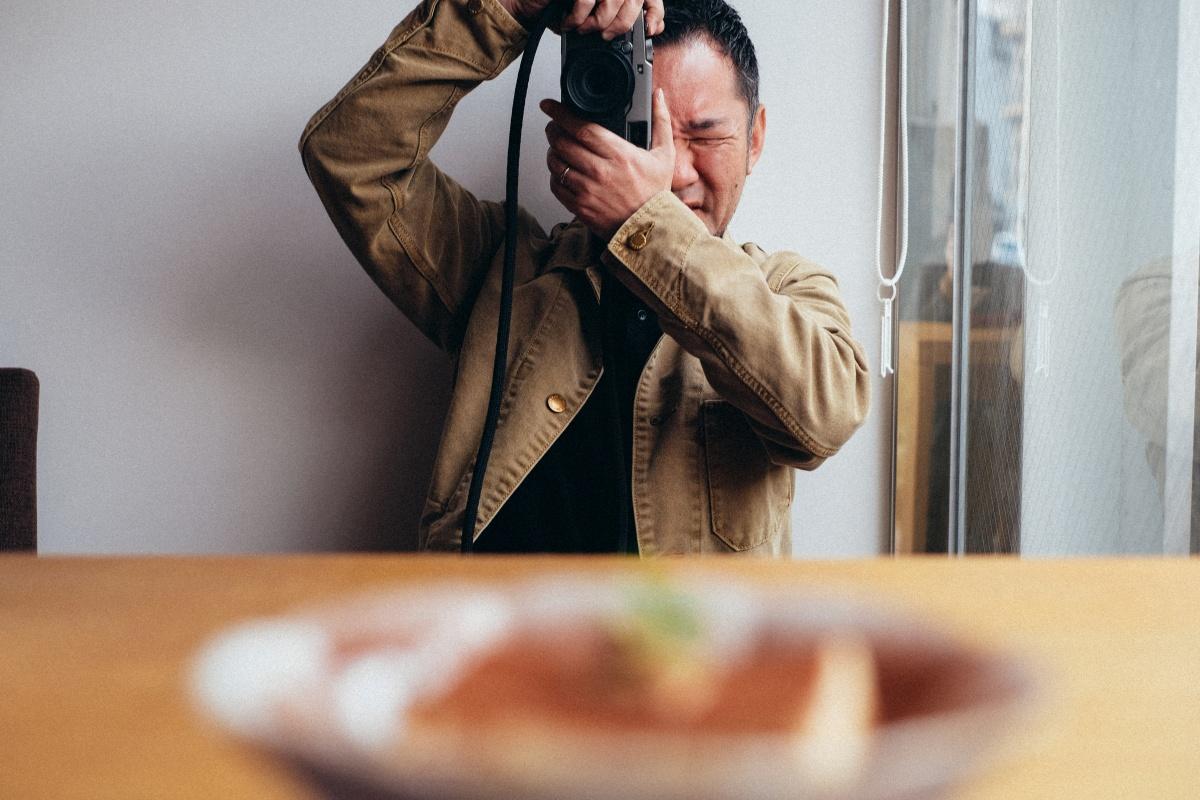 よろずカフェの新メニュー撮影!インスタ映え最高なローストビーフとチキンの贅沢ホットサンド!