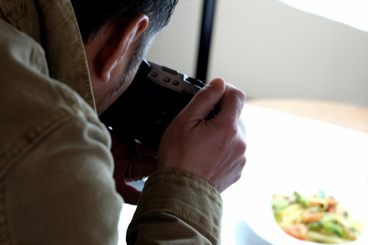 「スタッフ募集中」オルソではランチとディナーで各1名ずつ一緒に働いてくれる方を募集しております!
