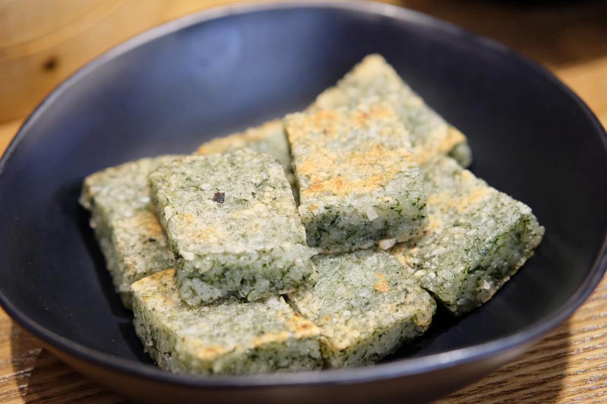 この街の食べ物は日本人好みな料理がいっぱい!お粥専門店に活き蟹鍋専門店!