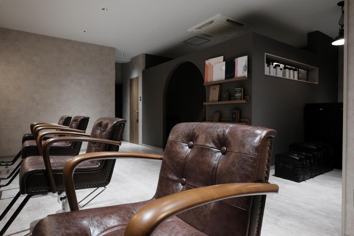 下関市綾羅木本町「HAIR DESIGN Scelta」セット&シャンプー椅子もセットされて完成引渡完了!
