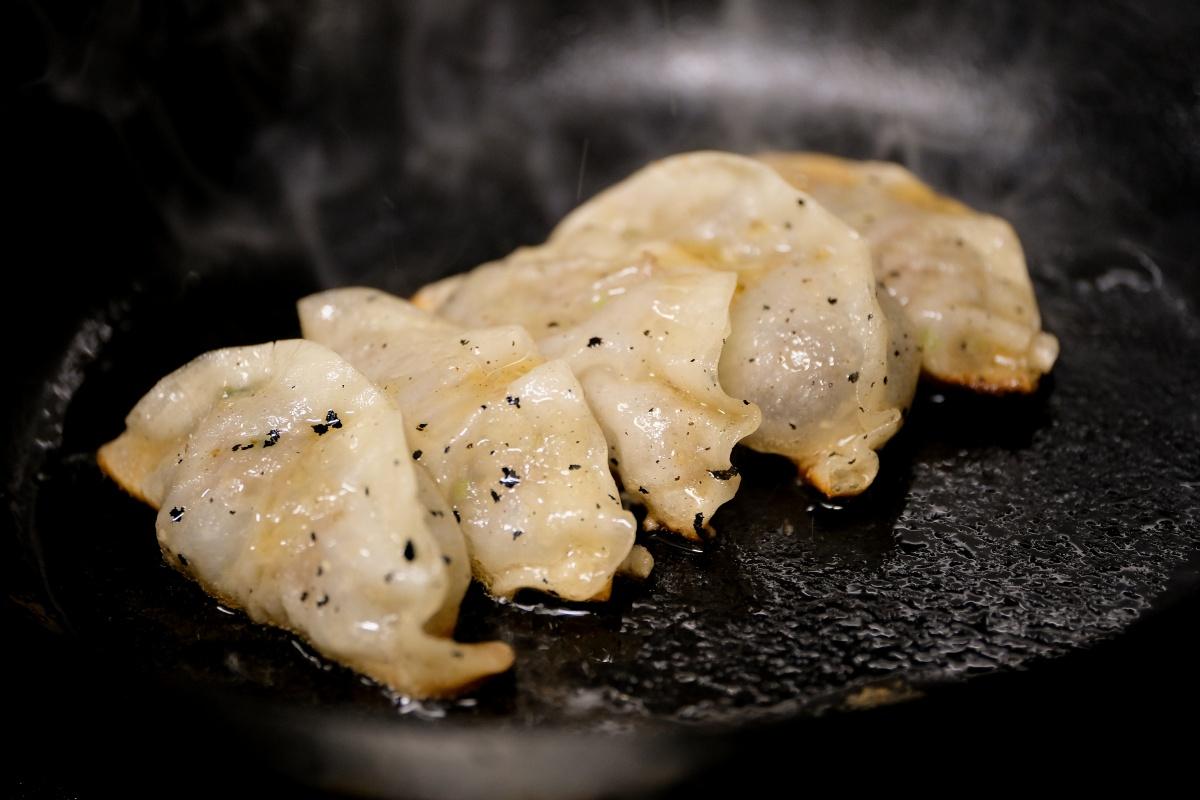 焼肉だんく!冬のオススメは「肉々しい!焼肉屋さんの和牛ギョーザ」