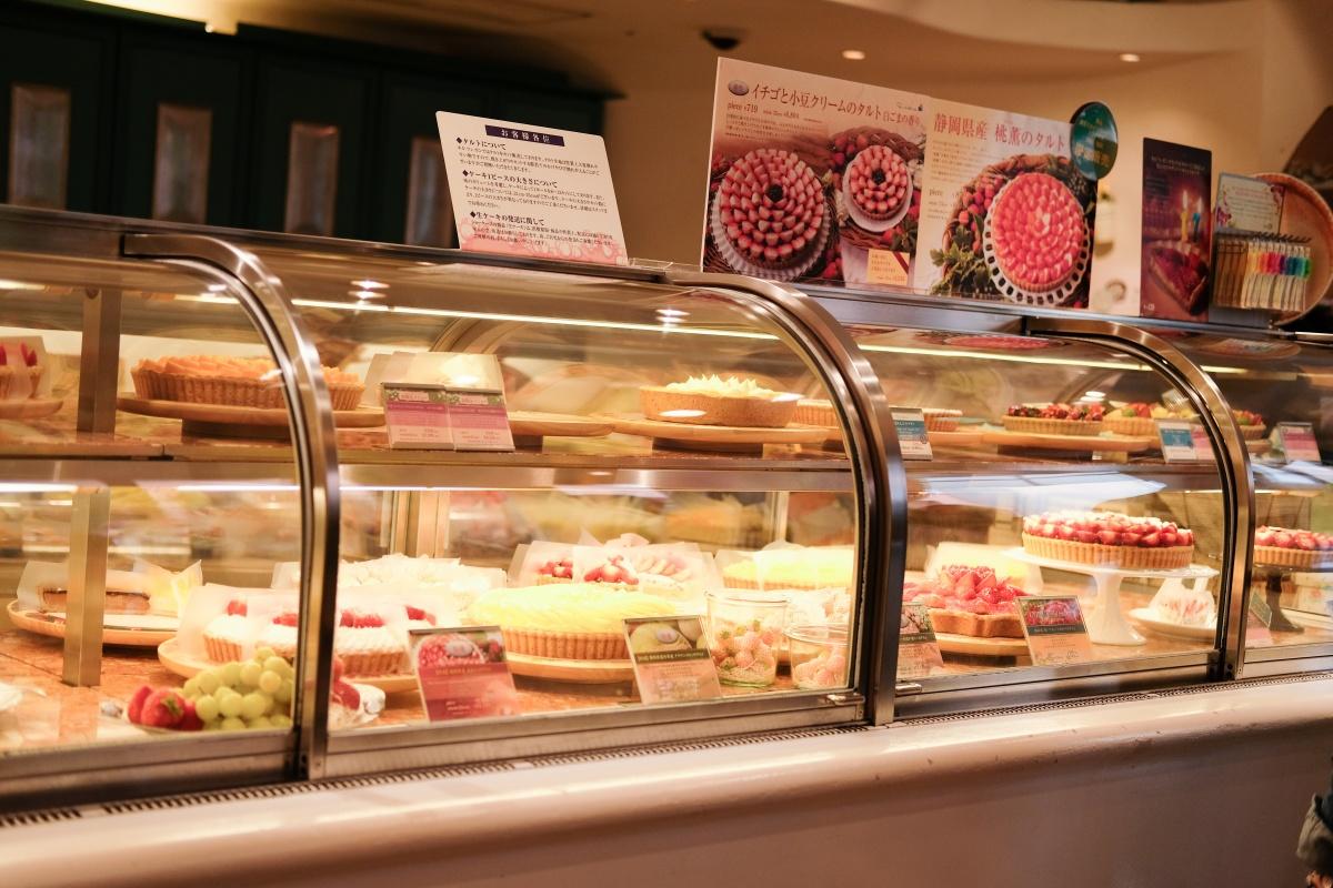 行列の出来るスイーツ店!キルフェボンのタルトが高くてビックリ!BAKEのチーズケーキorカスタードアップルパイ!