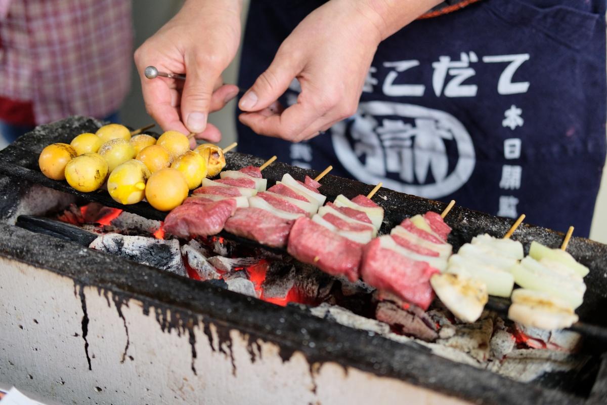 長門市で一番古くて一番有名な焼きとり屋さん「こうもり」午後二時からやってます!