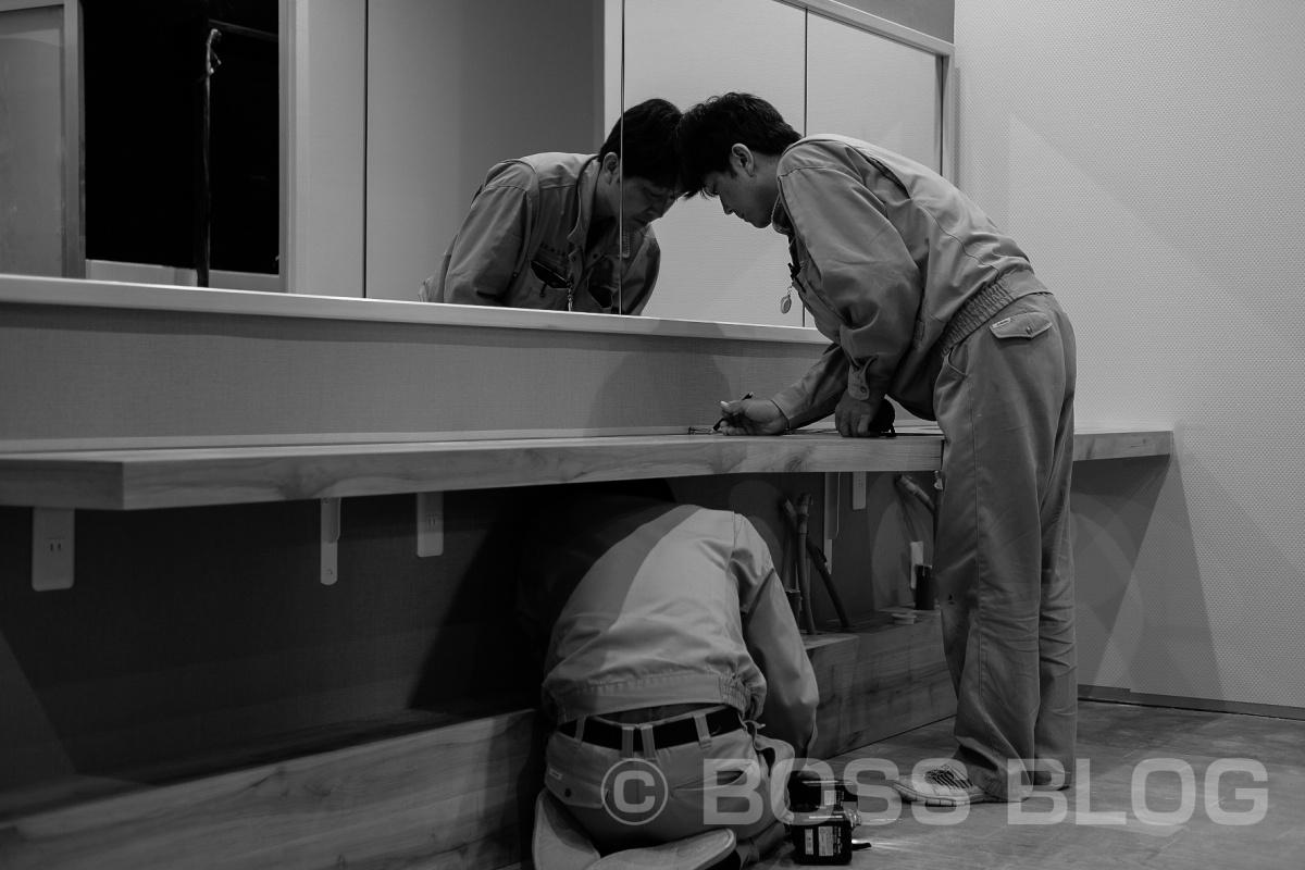 弊社現場監督の清洲はゴールデンウィーク無しで職人さん達と共にSSSスポーツプラザ吉敷店を大リニューアル工事中!