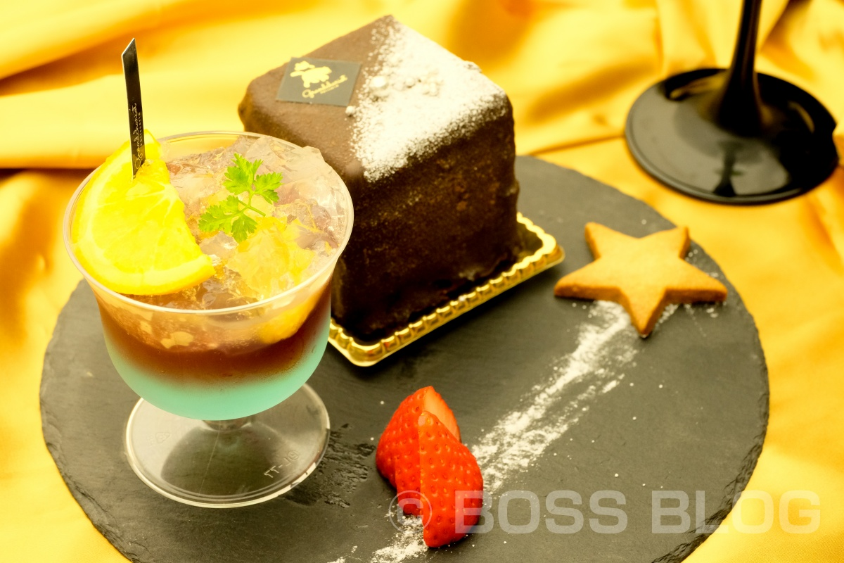 バーテンダーがつくる本格カクテルとケーキが愉しめる「スイーツバル」は夜のグランシャリオ!