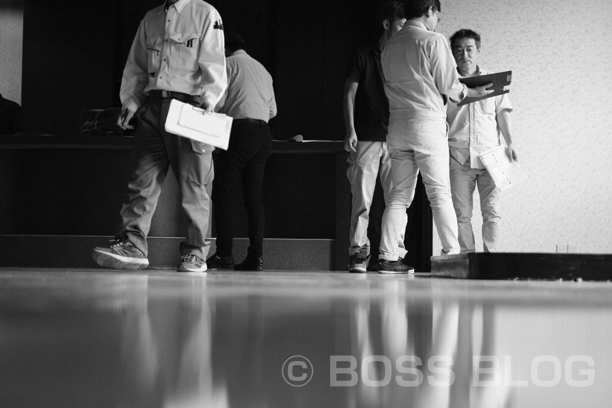 湯田温泉某所で工事業者さんが集まってデザインプランした設計計画を基に現場調査中