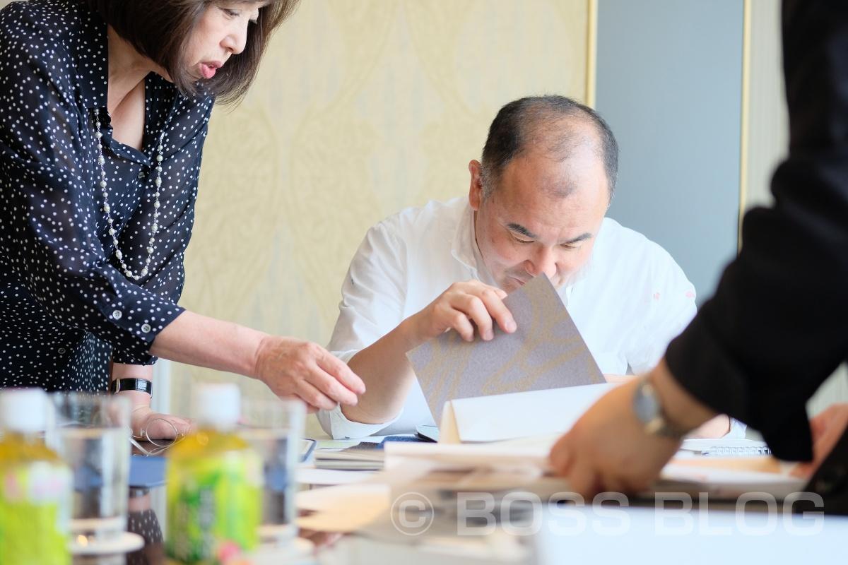 東京でグラフィックデザイナーの巨匠とホテルのラウンジを貸し切ってスカイミーティング!