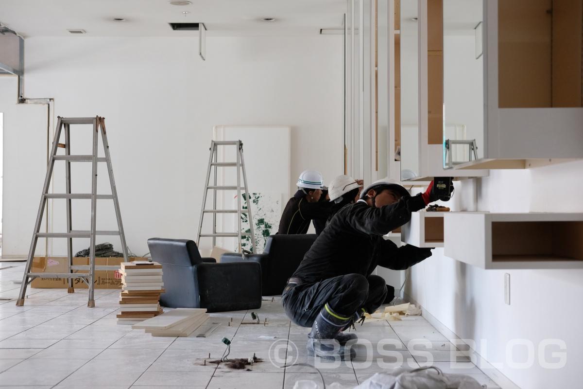 猛暑続く美容室ギャルソンの現場の解体から大工工事まで