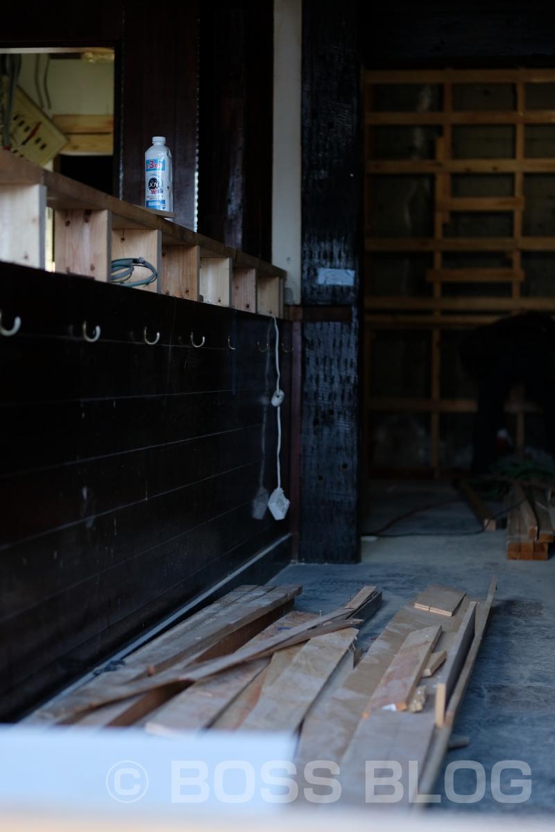 本日も溶けるような暑さの中、柳井駅近くの「さつきカフェ」移転工事進行中!まだまだ先は見えぬゲゲゲのゲです(笑)