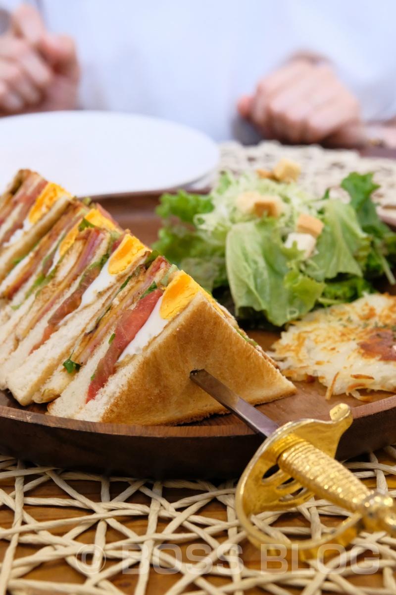 アメリカンクラブハウスサンド サラダとハッシュポテト付き 1,280円