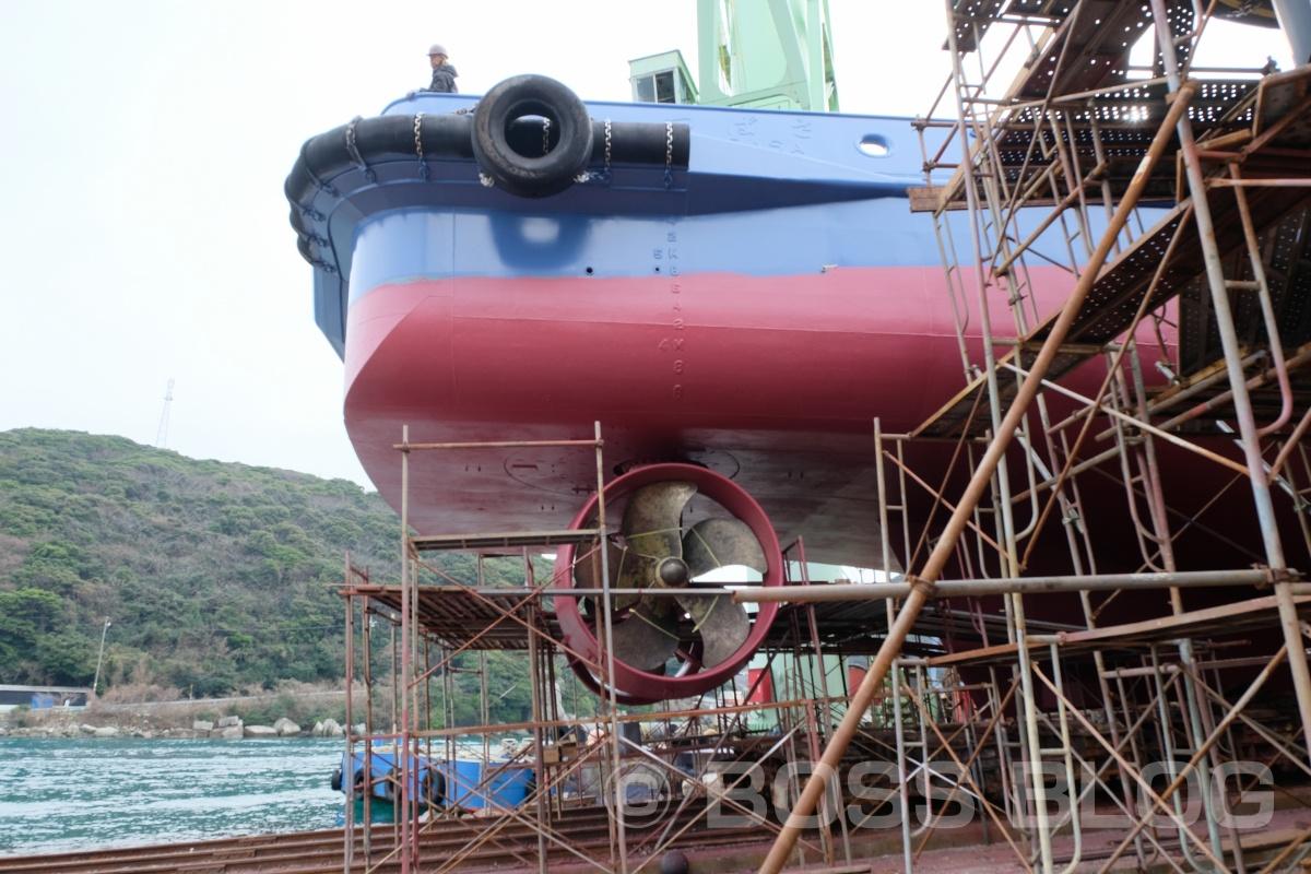 小門造船鉄工株式会社さんまで行って、造船中の船のロゴマーク位置確認中!