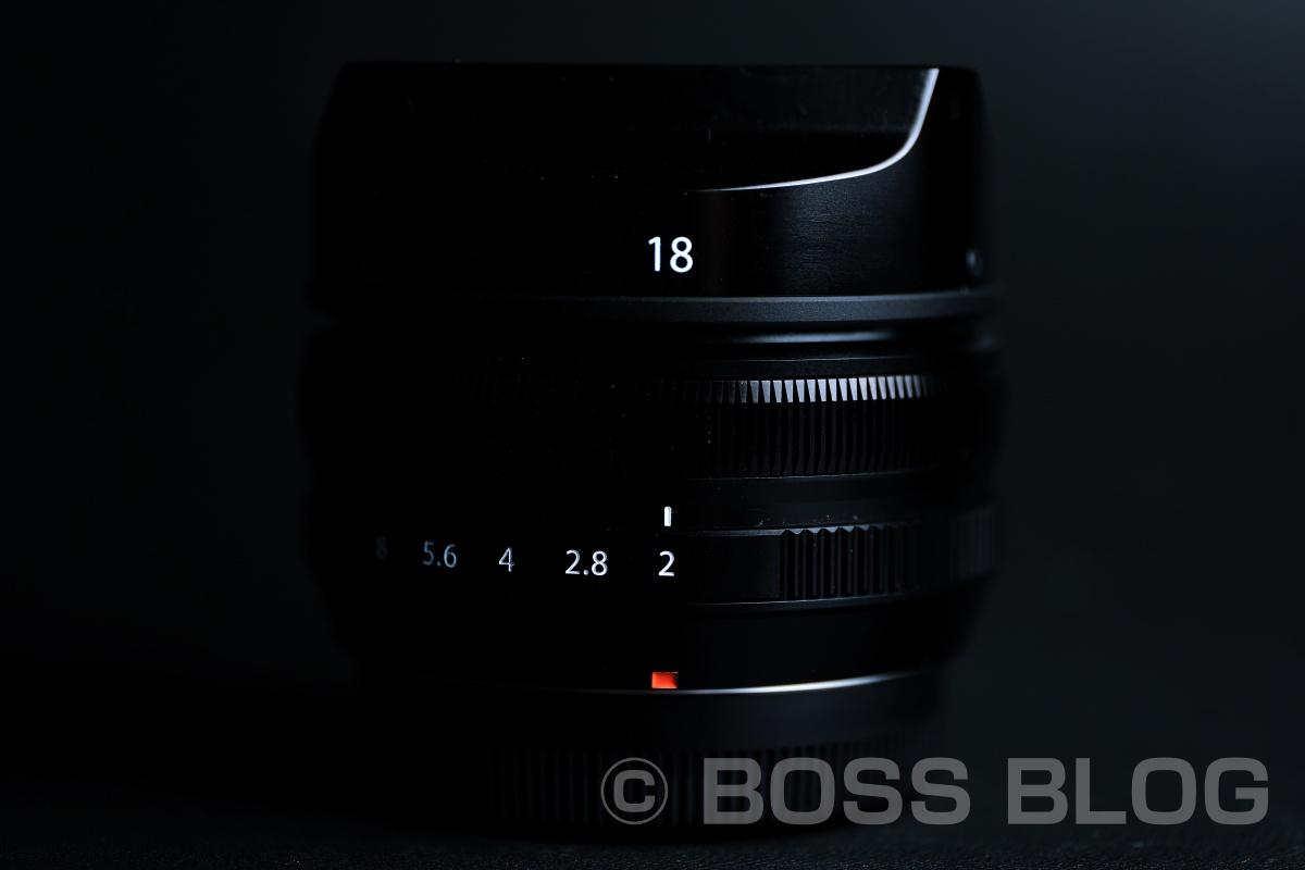 設計は古いが手頃で小さな単焦点レンズXF18mmF2